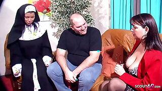 Reife deutsche Psychologin gibt dummen Typen Tipps seine Freundin zu ficken
