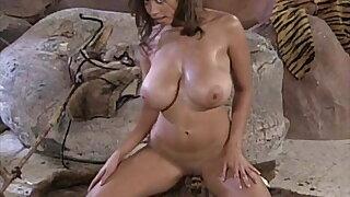 Ashley Juggs Cavewoman (full dance video)